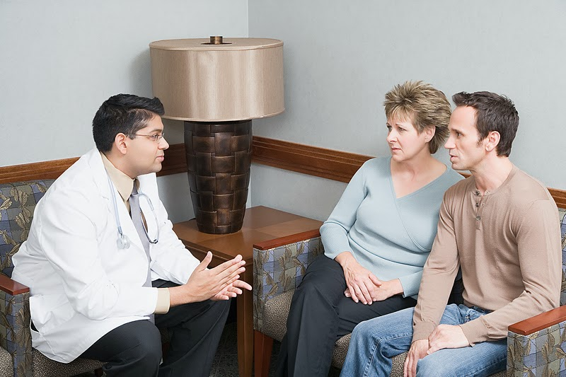 physician talking with patients2