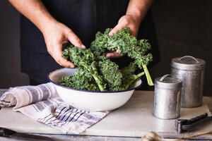 Eating foods like kale salad can help you feel fuller longer